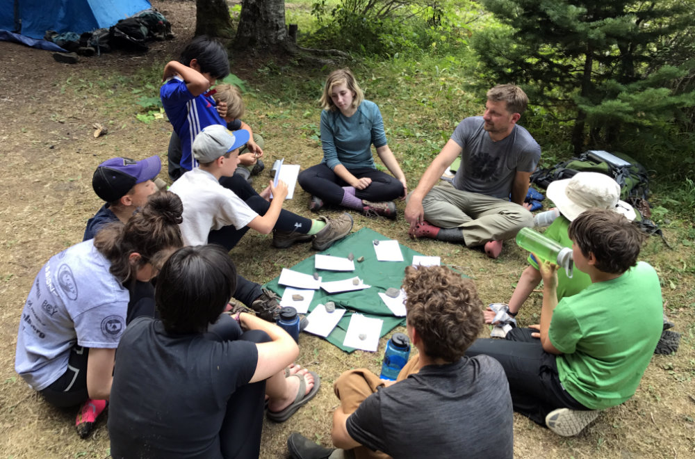 kids learning outside with Wild Society